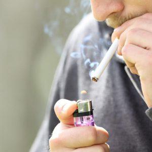 نقش سیگار بر استرس