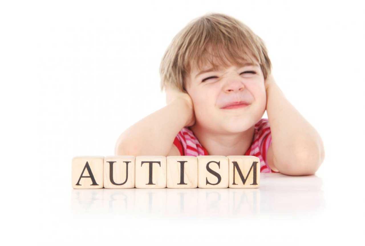 علائم و درمان بیماری اوتیسم درکودکان