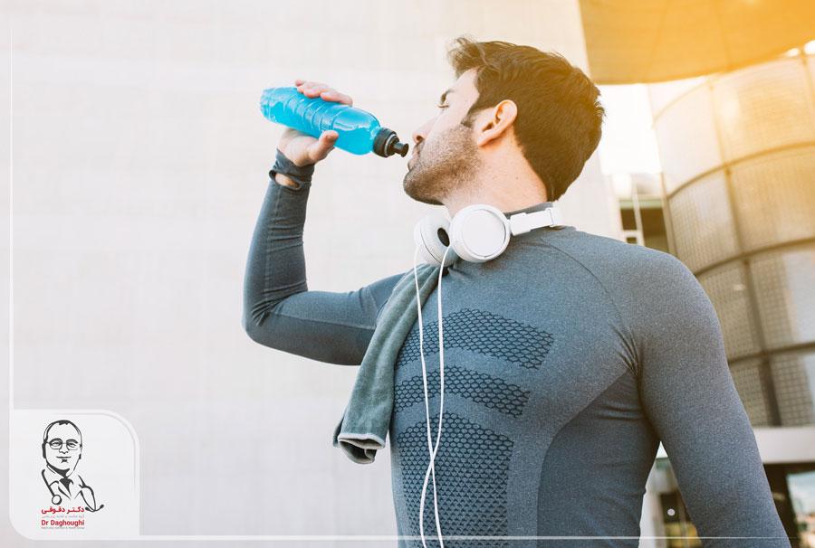 ورزشکاران چه مقدار آب بنوشند