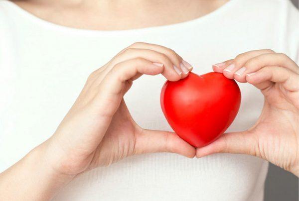 شکلات تلخ و فشار خون